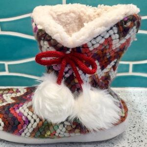 Shoes - Chunky Cozy Knit Slippers with Pom Poms NWOT